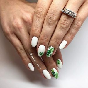ongle feuilles