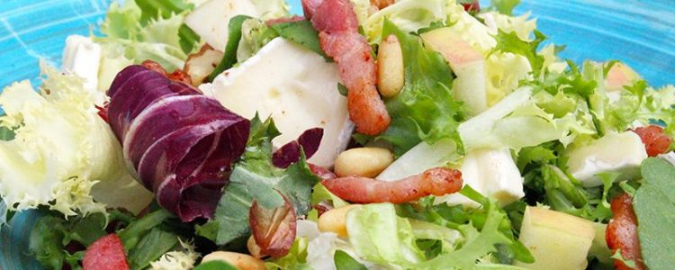 Salade-de-lardons-et-brie