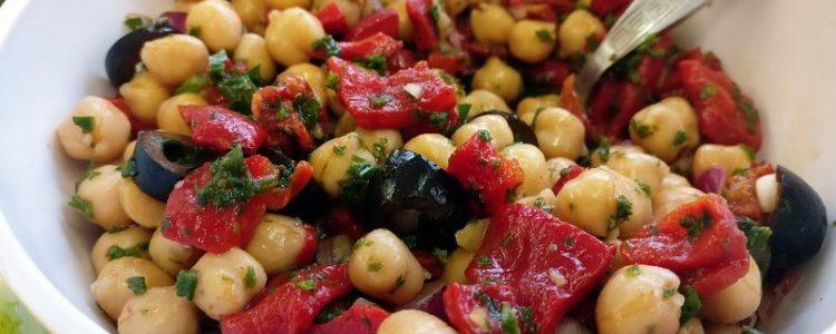 Salade-de-pois-chiches-et-de-poivrons