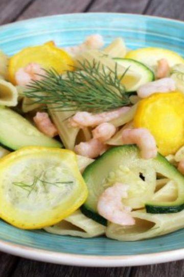 salade de pâtes aux courgettes et aux crevettes